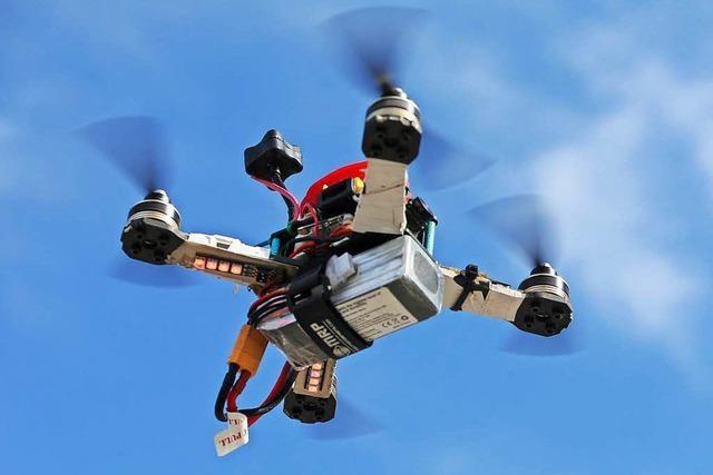 Gibt es bald strengere Sicherheitsregeln für Drohnen?