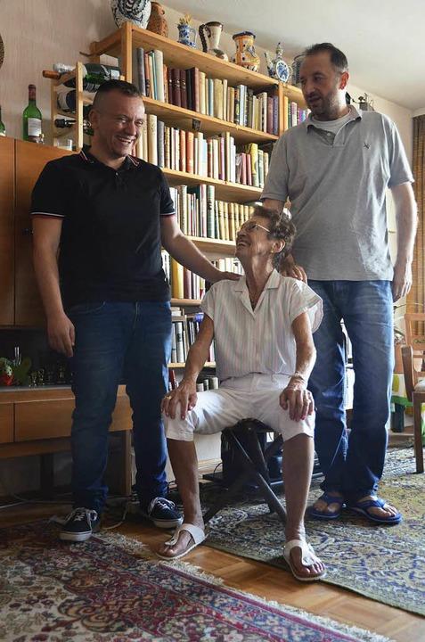 Fast wie ein Familienfoto: Else Haßler... Daoud Khawam (links) und Jack Razzuck  | Foto: Christian Engel