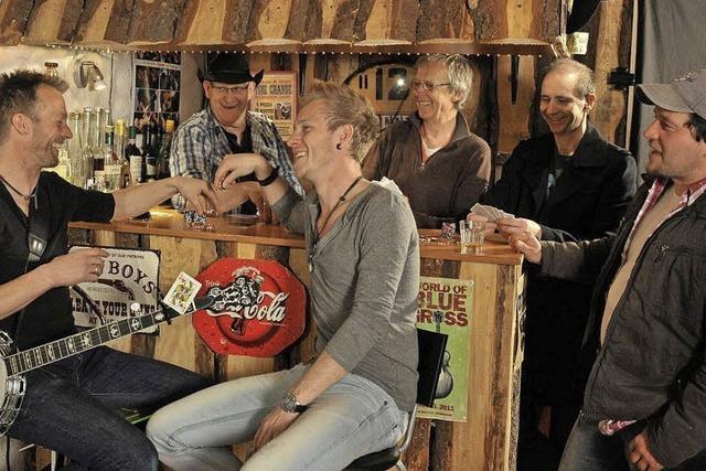 Blackwood Mary spielt im Freiburger Waldsee