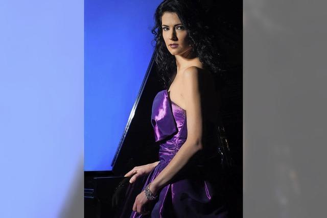 Katie Mahan aus USA bringt Mozart, Strauß und Liszt dar