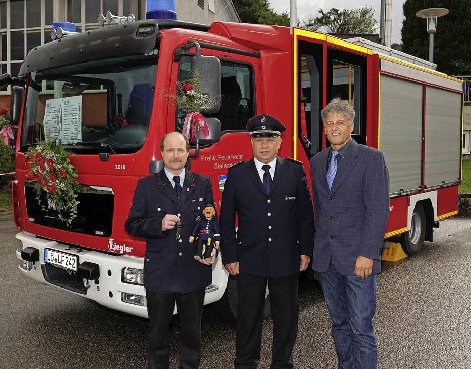 Freuen sich gemeinsam über das neue Lö...mann und Bürgermeister Gunther Braun.   | Foto: Hans-Jürgen Hege