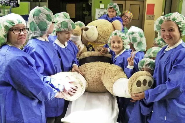 Kinder entdecken das Krankenhaus