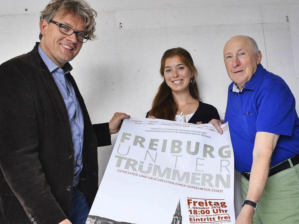 Berührend: Hannah Muggenthaler lässt i... ihrem Lehrer Gregor Delvaux de Fenffe  | Foto: Michael Bamberger
