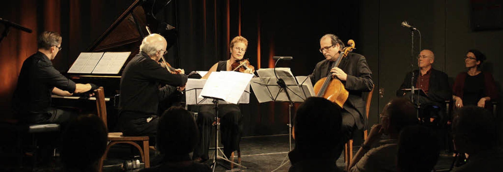 Alte Märchen wurden gepaart mit Elementen neuer Musik von Joschi Krüger.   | Foto: Christiane Franz