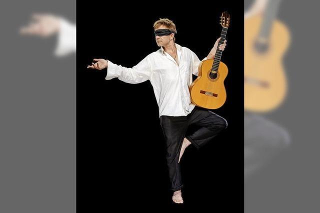 Konzertgitarrist Achim Langenkämper spielz Werke von Luis de Narvaez