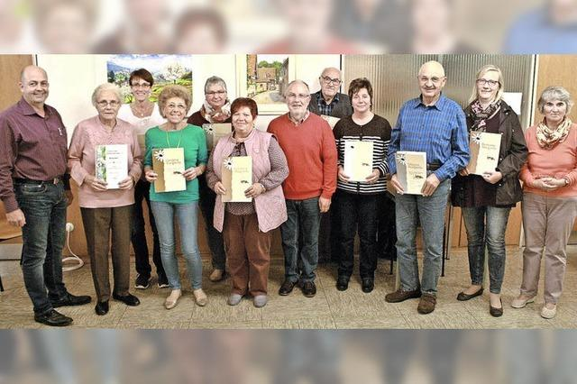 Ortschaftsrat Broggingen zeichnet Bürger für gelungenen Blumenschmuck aus