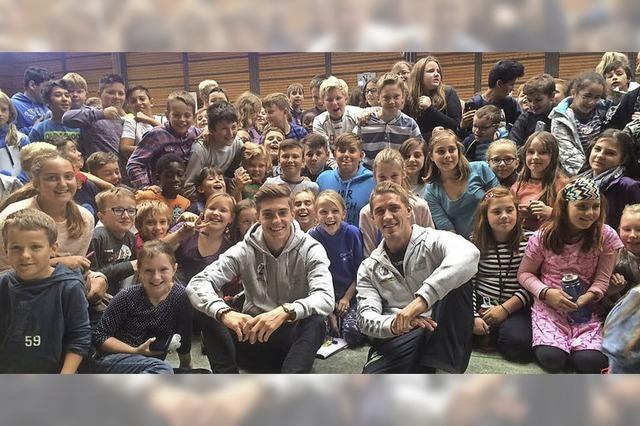 SC-Spieler besuchen Jengerschule