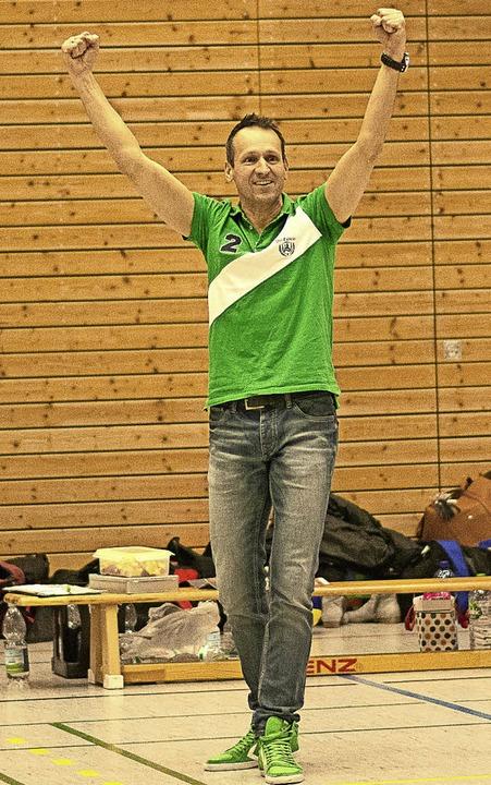 VfR-Trainer Jörg Stumböck hat Freude bei seiner Arbeit.     | Foto: Kreienkamp