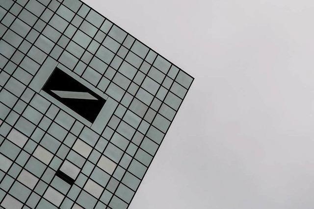 Deutsche Bank lotet mögliche Kapitalerhöhung aus
