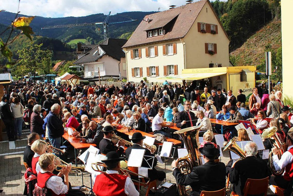 Viel los war wieder beim Viehabtrieb in Oberried – zugleich Höhepunkt und Abschluss der Alemannischen Woche. (Foto: Erich Krieger)