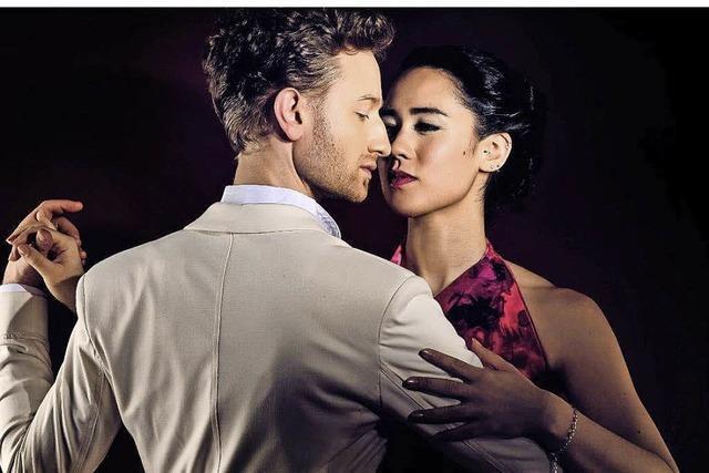 Tango, Musik und Tanzvorführungen und Milonga im Spiegelzelt in Staufen