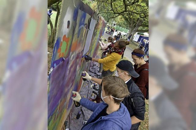 Klettern, kicken, kneten: So war der Aktionstag für Jugendliche im Stadtgarten
