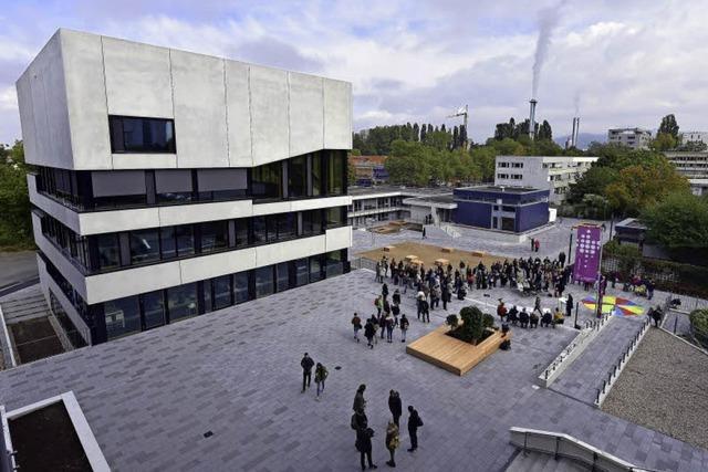 Der neue Dietrich-Bonhoeffer-Platz ist jetzt offiziell eingeweiht