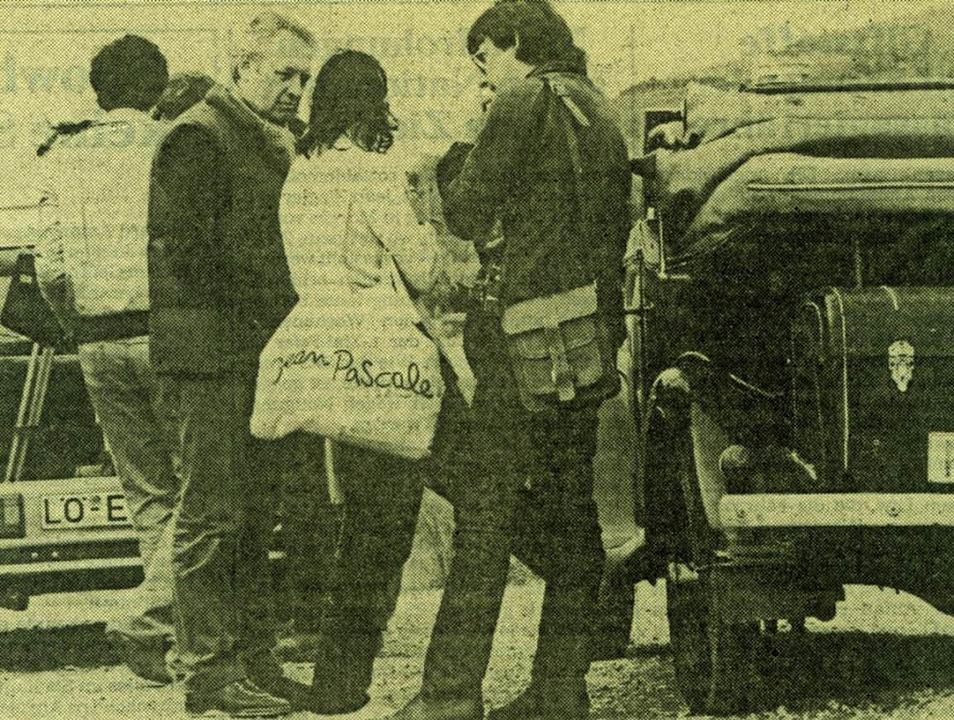 Andrzej Wajda (links ) bei den Dreharb...er auf einem Foto der Basler Zeitung.   | Foto: BZ-Archiv