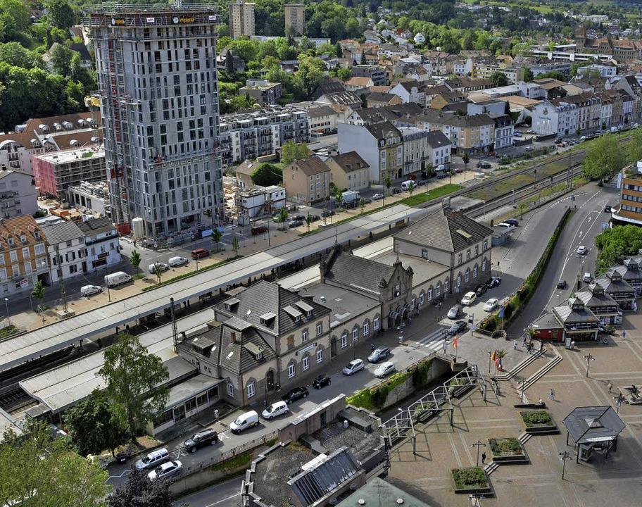 Der gute alte Bahnhof wird Mobilitätsdrehscheibe.  | Foto: Barbara Ruda