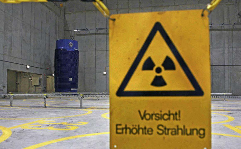Die Atomkraft birgt erhöhte Risiken, ob Strahlung oder  Kosten.  | Foto: dpa