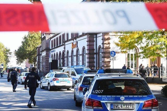 Bombendrohung am Bahnhof Rastatt hält Polizei über Stunden in Atem