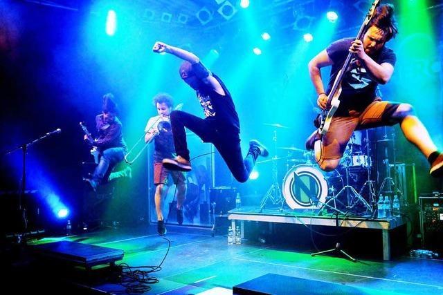 Band No Authority und Naked Superhero im Lahrer Schlachthof