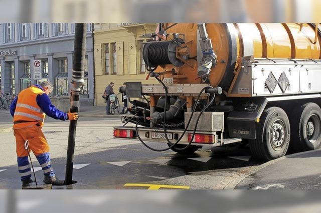 Bei schlechtem Wetter und an Fasnacht haben die Arbeiter der Kanalisationsreinigung einiges zu tun