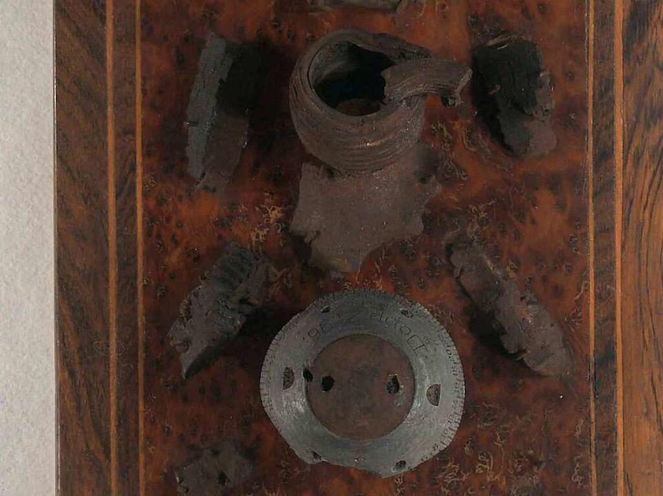 Montierte Bombenteile vom Angriff am 1...e befinden sich heute im Museumsdepot.  | Foto: Privat
