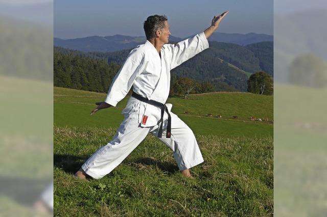 Mit fast 75 Jahren zur Karateprüfung