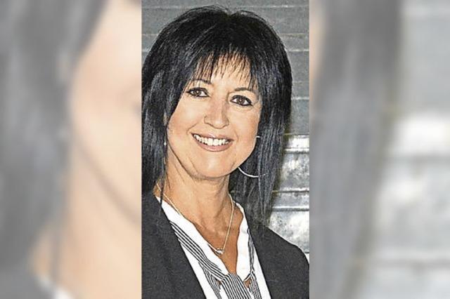 Christine Esters wechelt ins Vorzimmer von OB Eberhardt / Stanley Sutherland verlässt die Gemeinschaftsunterkunft Schwörstadt