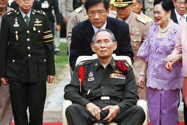 Thailands König Bhumibol nach langer Krankheit gestorben