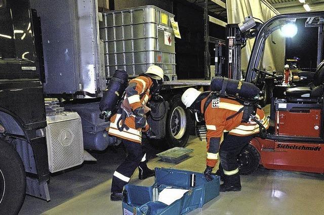 Gefahrgut-Übung der Feuerwehr bei RCA