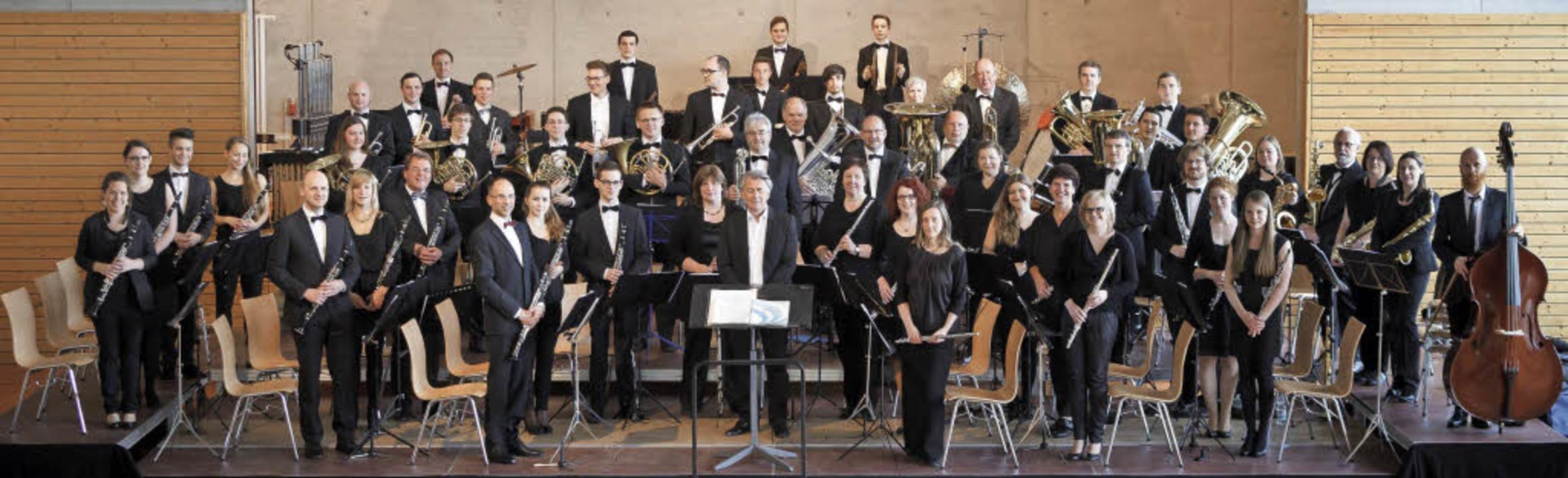25 Jahre alt: das Sinfonische Verbandsblasorchester Markgräflerland   | Foto: privat