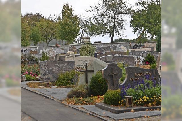 Rat hebt Gebühren für Bestattungen an