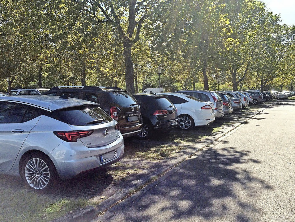 Insbesondere sonntags bei schönem Wett...e freien Parkplätze mehr im Kurgebiet.  | Foto: Jutta Schütz