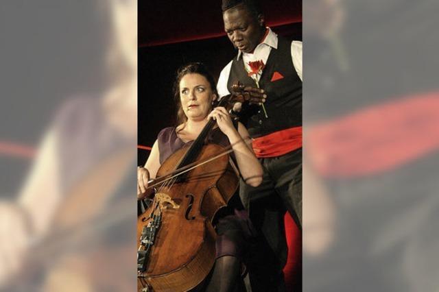 Multikulturelles Musik- und Comedy-Duo