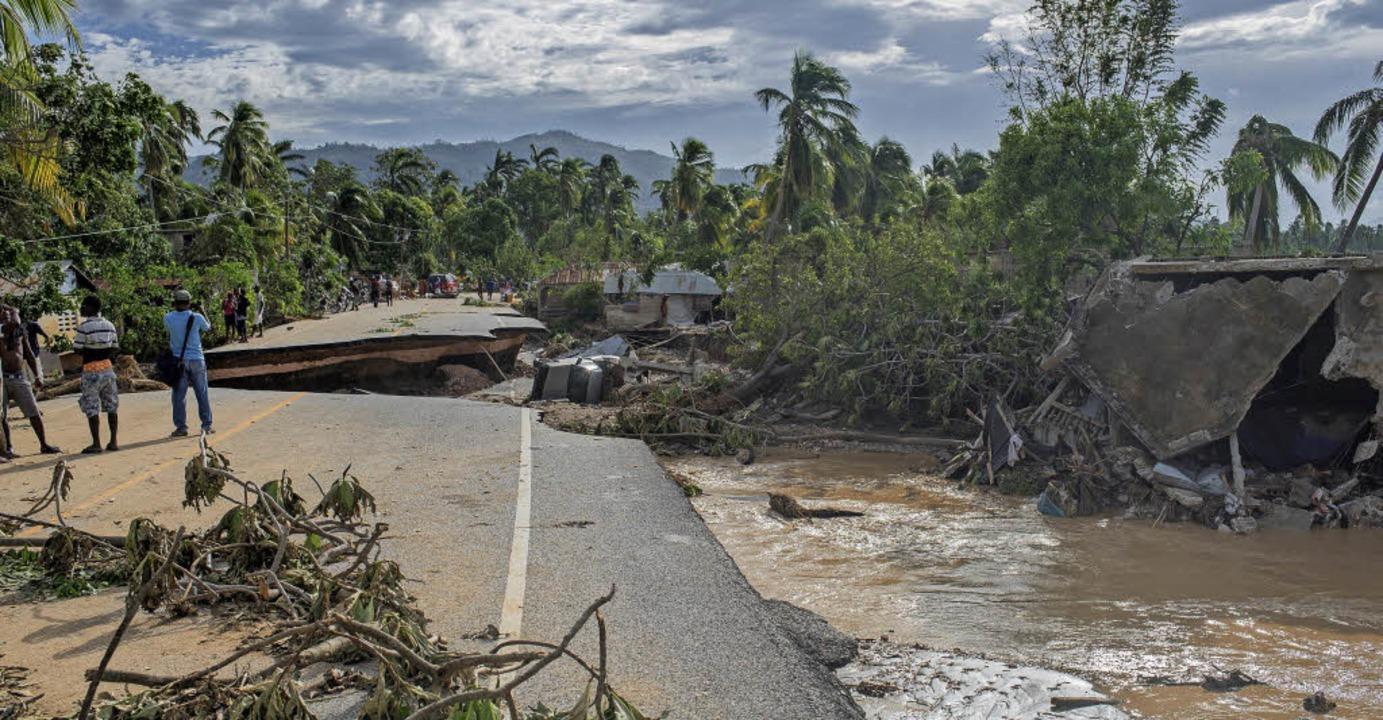 Hurrikan Matthew wütete zuletzt über H...ß vielerorts eine Spur der Verwüstung.  | Foto: obs/Aktion Deutschland Hilft e.V./World Vision