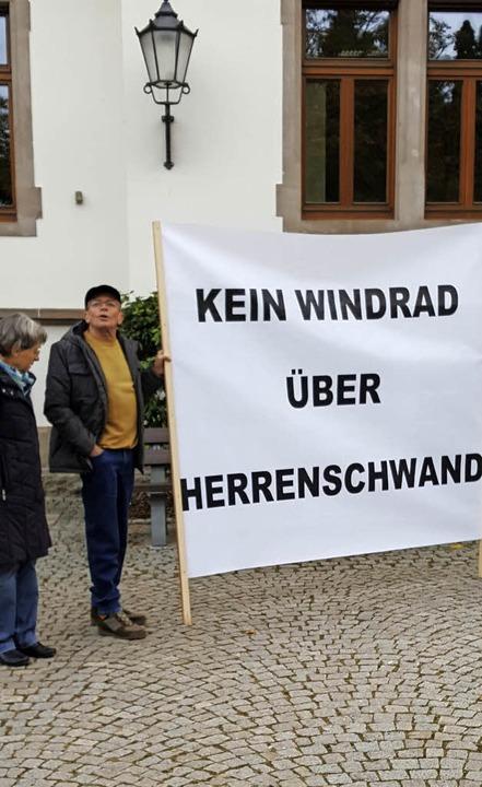 Mitglieder der Herrenschwander Bürgeri...gegen Windkraft auf dem Hochgescheid.   | Foto: privat