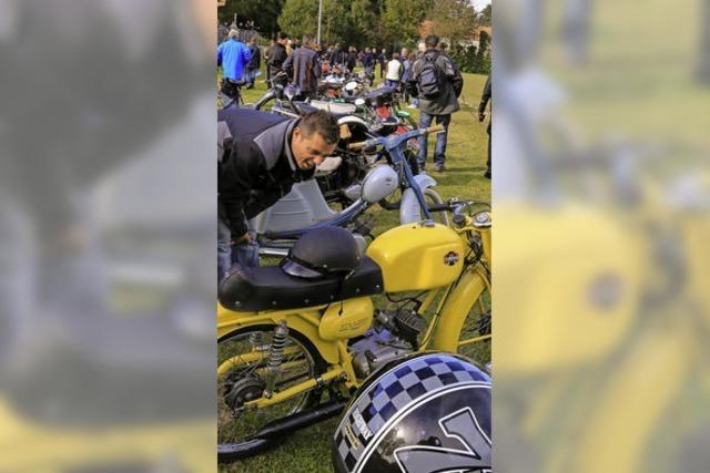 90 Zweitakter-Fans kamen zum Treffe nach Kippenheim