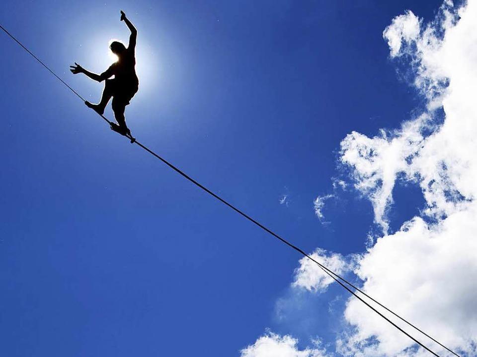 Resiliente, also widerstandsfähige Men...ie schauen geradeaus und gehen weiter.  | Foto: Laurent Gillieron