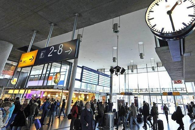 Schwarzfahrer droht im Hauptbahnhof Freiburg mit Bombe und löst Großeinsatz aus