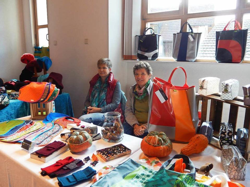 Auch selbst gemachte Taschen konnte man bewundern  | Foto: Katharina Maß