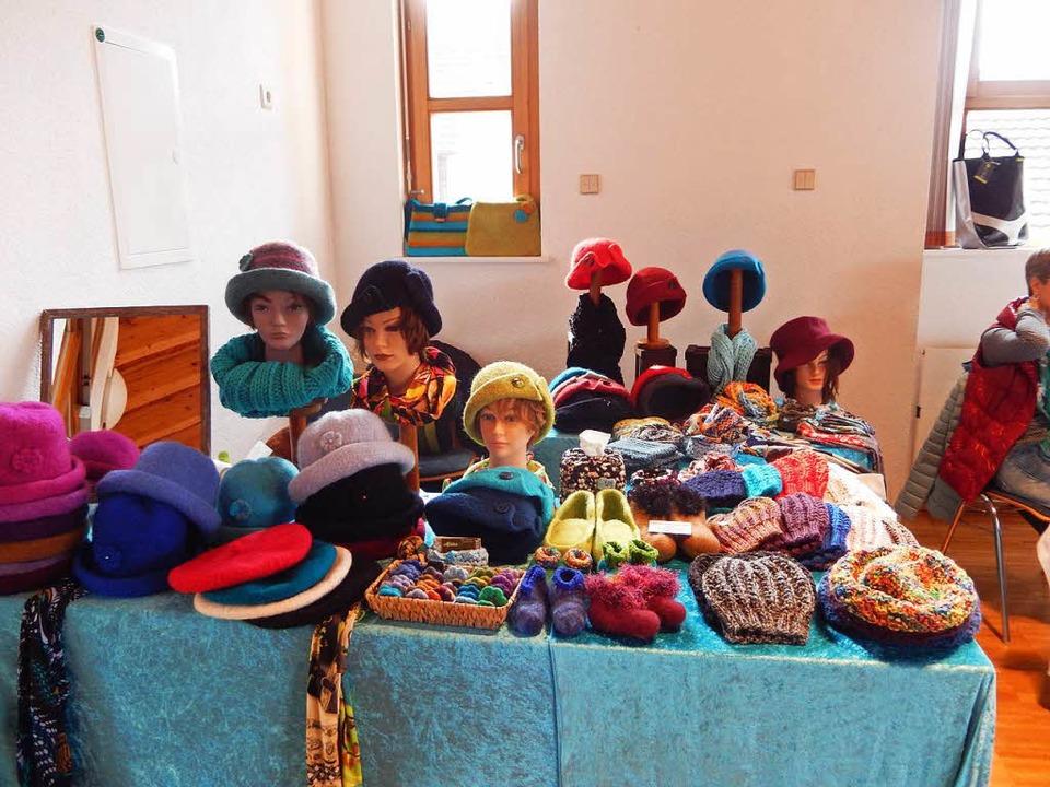 Mützen oder Hüte kann man in der kalten Jahreszeit gut gebrauchen    Foto: Katharina Maß