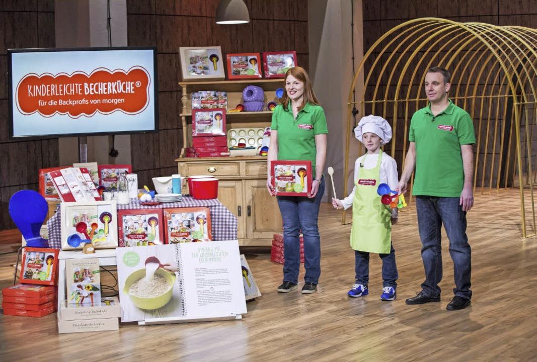 Birgit und Stefan Wenz mit ihrem Sohn ...heutigen Dienstagabend  ausgestrahlt.   | Foto: Kinderleichte Becherküche