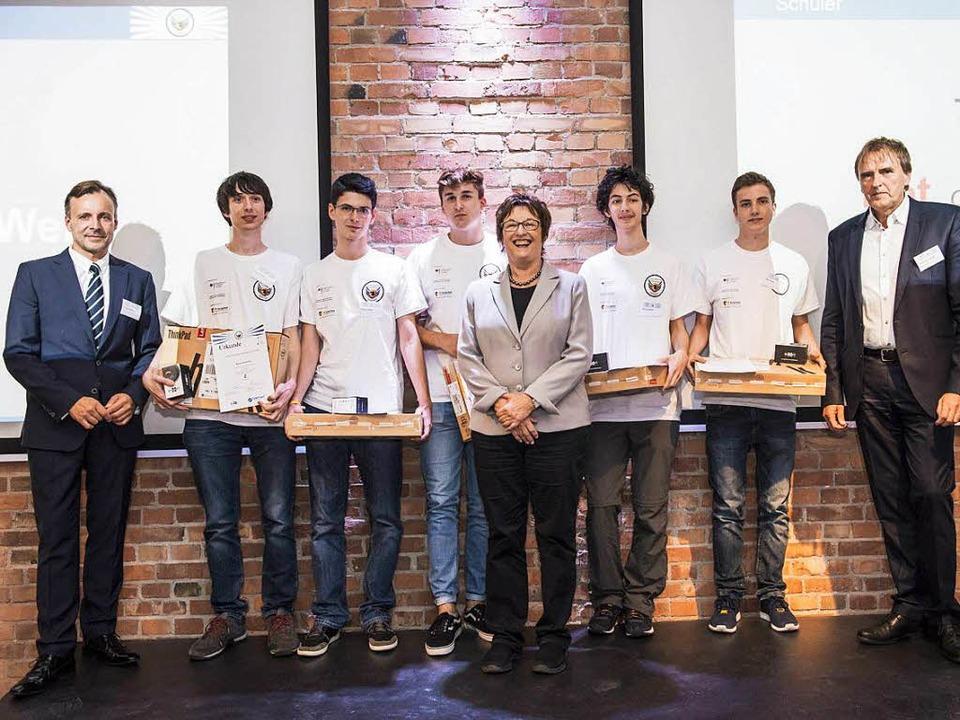 Florian Bauckholt (vierter Schüler von Links)  | Foto: Marcel Schwickerath