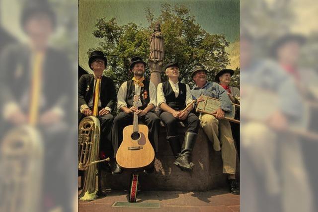 Mitreißende Wirtshausmusik und Moritaten zum 35-jährigen Bestehen der Muettersproch-Gsellschaft Regionalgruppe Offenburg