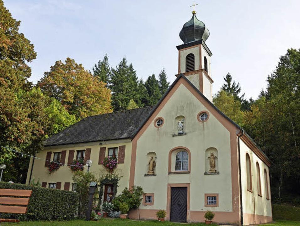 Thront über der Gemeinde: die Giersbergkapelle.   | Foto: Gerhard Lück