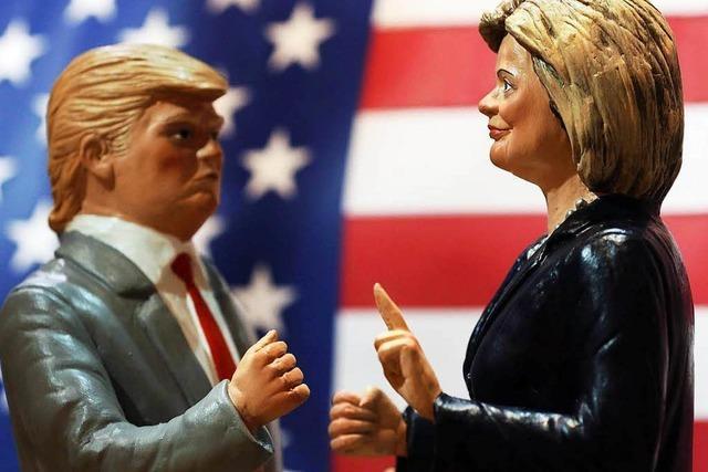 Anhänger glauben an Trumps Verschwörungstheorien