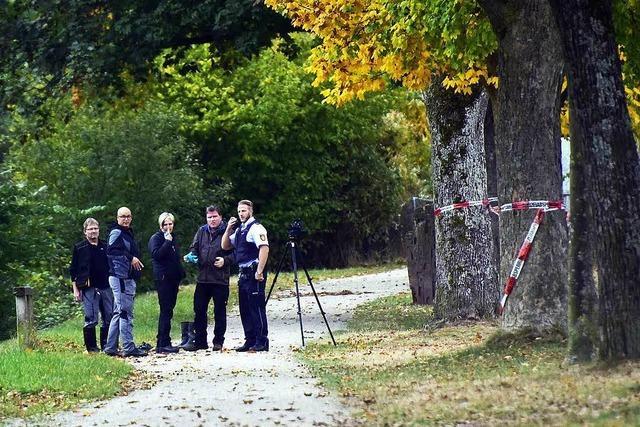 Getötete Studentin: Polizei befragt nachts Passanten und Radfahrer an der Dreisam in Freiburg