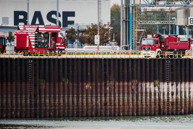 BASF-Unglück: Taucher bergen Leiche aus Hafenbecken