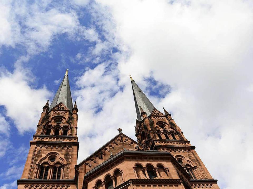 Wer hat den Vorfall an der Johanneskirche beobachtet? Die Polizei sucht Zeugen.  | Foto: Ingo Schneider