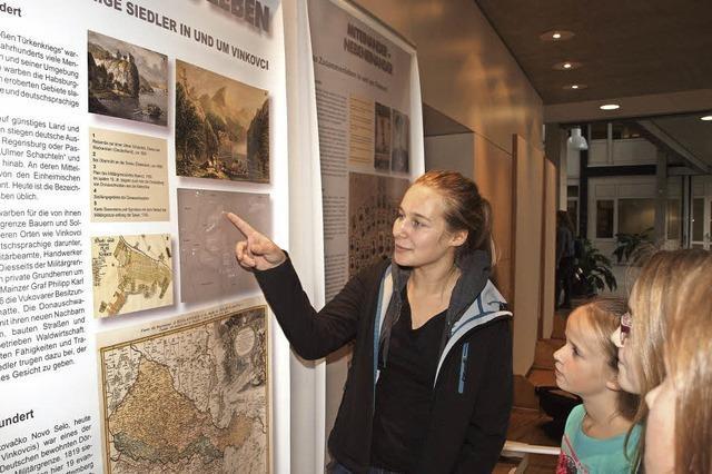 Ausstellung im Gymnasium zeigt Geschichte der kroatischen Partnerstadt Vinkovci