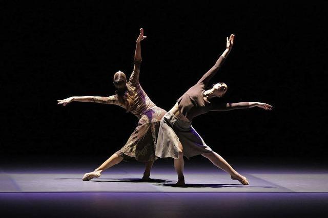 Dreiteiliger zeitgenössischer Tanz in der Oberrheinhalle