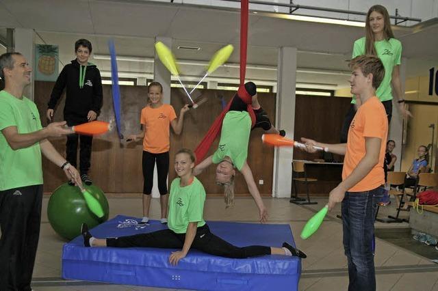 Junge Akrobatik-Talente